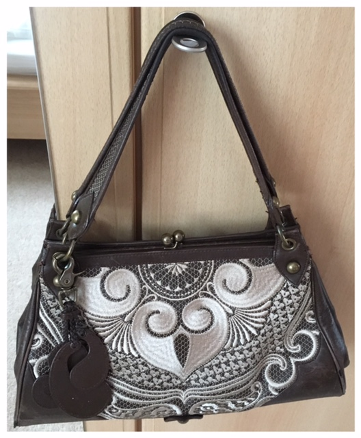 2017-10-22 Handbag